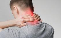 Thoái hóa đốt sống cổ gây đau đầu có nguy hiểm không?