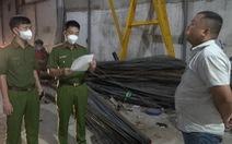 Tạm giữ 5 nghi phạm trong nhóm 'làm trò' lừa đảo bán sắt ở TP.HCM