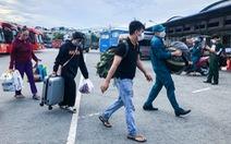 Thêm gần 700 người dân miền Tây được Bộ Tư lệnh TP.HCM hỗ trợ về quê