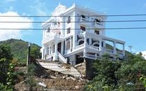 Dân ở Nha Trang 'hết hồn' khi thấy biệt thự hoành tráng, mới tinh bị sạt lở