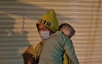 Thai phụ 'chuyển dạ trong đêm mưa rét' liên tục xin rời viện