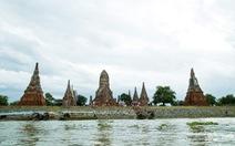 Nhiều ngôi chùa ngập trong lũ lụt tại thành phố lịch sử Ayutthaya