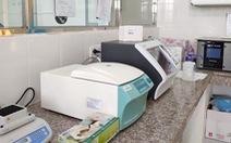 Máy xét nghiệm COVID-19 duy nhất của Đắk Nông mới mua đã gặp sự cố, phải gửi mẫu nơi khác