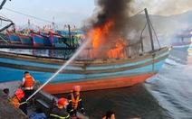 Mùng 3 Tết, 3 tàu cá ở cảng cá Thọ Quang bốc cháy dữ dội