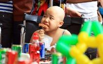 Ấm áp bữa ăn đầu năm cho bệnh nhi ung thư