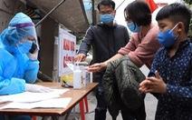 Hà Nội lấy mẫu xét nghiệm cho tất cả người về từ vùng dịch ở 12 tỉnh thành