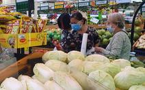 Sau Tết, người dân tấp nập mua sắm tại siêu thị
