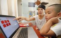 'Nghĩ chuyện con lớp 1 phải học online tôi rầu quá'