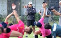 CLB Sài Gòn gây bất ngờ ở vị trí chỉ đạo trong buổi tập khai xuân 2021
