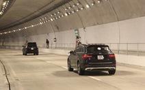 Hầm Hải Vân chính thức lưu thông một chiều trong mỗi đường hầm
