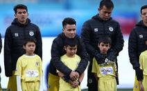 Khách VIP không được xuống bắt tay động viên cầu thủ khi V-League 2021 trở lại