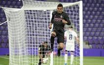 Real Madrid bám sát Atletico Madrid, còn kém 3 điểm