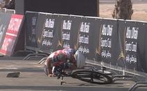 Video: Pha về đích đau đớn của tay đua 19 tuổi Antonio Tiberi