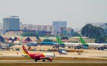 Vé máy bay dịp lễ 30-4 và 1-5 dồi dào, giá 'nóng' dần