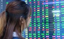 Chứng khoán lao dốc đột ngột, nhà đầu tư lại đứng tim vì 'nghẽn lệnh'