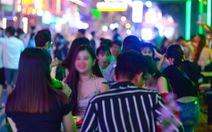 TP.HCM cho phép hoạt động trở lại một số dịch vụ không thiết yếu, trừ karaoke, vũ trường...