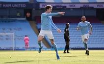 Thắng trận thứ 20 liên tiếp, Man City bỏ xa Man Utd 13 điểm