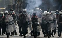 Cảnh sát Myanmar bắn đạn cao su giải tán cuộc biểu tình ở Yangon