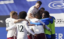 Thua ngược Arsenal, Leicester cạn hi vọng vô địch