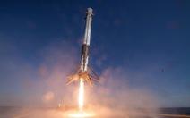 Tỷ phú Mỹ bao trọn chuyến tàu SpaceX đầu tiên chở người thường lên vũ trụ