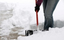 Dọn tuyết nhà mình đổ sang nhà hàng xóm, hai vợ chồng ở Pennsylvania bị bắn chết