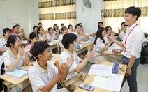 Thầy giáo gốc Bắc hát cải lương để dạy trò Sài Gòn học văn