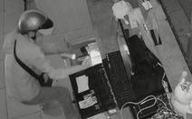 Cửa hàng Điện Máy Xanh ngày tết bị cắt mái tôn, trộm 54 điện thoại
