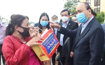 Thủ tướng chúc tết bà con tỉnh Quảng Nam và dặn: 'Đừng để tháng giêng là tháng ăn chơi'