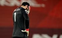 Alisson mắc sai lầm, Liverpool thảm bại trước Man City