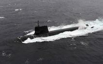 Tàu ngầm Nhật nổi lên đụng tàu thương mại, 3 thủy thủ bị thương