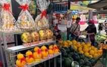 Thú vị chợ trái cây chưng tết ở Long Xuyên