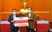 HDBank trao 1,5 tỉ đồng hỗ trợ tỉnh Hải Dương phòng chống dịch COVID-19
