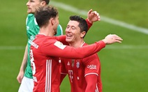 Video: Lewandowski đệm bóng cận thành, Bayern tiếp tục dẫn đầu Bundesliga