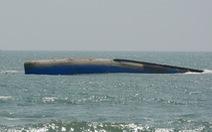 Trục vớt tàu chở 1.500 tấn bụi than chìm ở biển Mũi Né trong vòng 20 ngày
