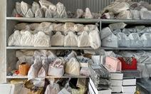 Triệt phá kho hàng giả hiệu Hermès, LV, Chanel 'khủng', 10 xe 3,5 tấn mới chở hết