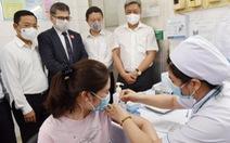 TP.HCM: 3 người phản ứng phản vệ độ 2 sau khi tiêm vắc xin ngừa COVID-19