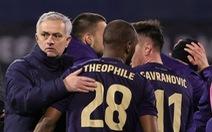 HLV Mourinho xin lỗi sau khi Tottenham bị loại đau đớn