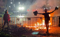 Cảnh sát Thái Lan dùng vòi rồng giải tán người biểu tình