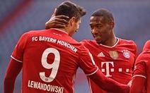 Mất người sớm, Bayern vẫn dễ dàng 'vùi dập' đối thủ