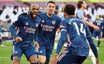 Lacazette tỏa sáng, Arsenal ngược dòng cầm chân West Ham sau khi bị dẫn 3-0