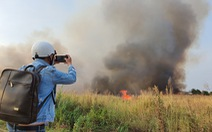 Cháy lớn tại đồng cỏ trong Khu công nghệ cao gần Samsung