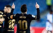 Messi lập cú đúp giúp Barca có chiến thắng '6 sao' và bám sát Atletico Madrid
