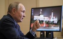 Tổng thống Putin tiêm vắc xin ngừa COVID-19 sau dân hơn 3 tháng