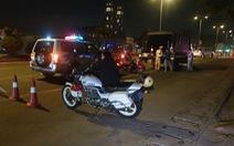 Tài xế quá say xỉn, CSGT phải đưa về nhà bằng... xe cứu thương