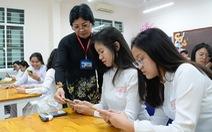 Cấm học sinh dùng điện thoại trong lớp: Không hợp thực tiễn, kiến nghị sửa đổi