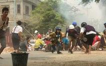 Truyền hình Myanmar: 'Người biểu tình coi chừng bị bắn vào đầu'