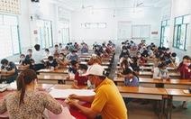 Hàng ngàn người thi giấy phép lái xe sau dịch COVID-19 tại TP.HCM
