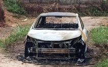 Tạm giữ khẩn cấp thanh niên chém người, đốt ôtô