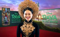 Sao gốc Việt mặc áo dài, đội mấn trên thảm đỏ Hollywood
