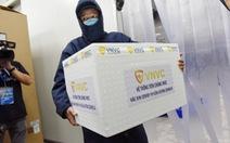 Lô vắc xin AstraZeneca 288.000 liều đã về đến TP.HCM